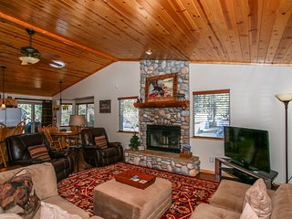 Once Upon A Pine Ultra Cozy 3 BR Summit Resort Chalet