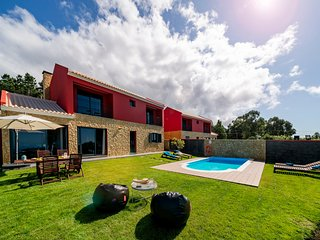 For families with sea view and heated pool - Felicidade Rocha II