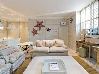 Delightful 3 Bed House in Battersea with Garden