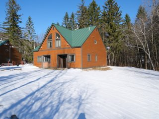 ☆ SKI ON & OFF! ☆ Spruce Glen C on Great Eastern Trail w/Sauna, Fireplace