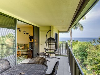 Kahaluu Bay Villas #305