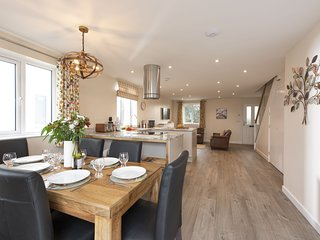 Holly Cottage, The Woodland Collection - A luxurious new pet-friendly cottage se