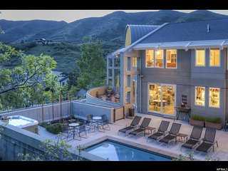 Luxurious Emigration Canyon Manor w/ Private Pool