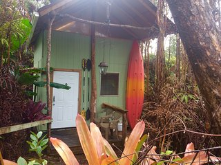 #2Cabin-Private in forest w/ small kitchen and 2Bathroom and 1indoor hot shower