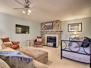 NEW! Charming Condo 2 Miles to Pinehurst Resort!