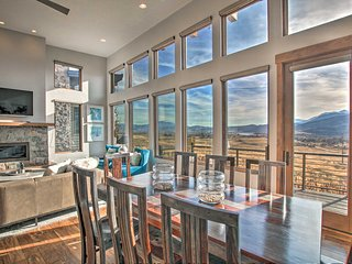 Modern Mountain-View Townhome <7 Mi to Ski Resorts