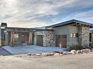 NEW! Modern Mtn-View Townhome for All-Season Fun!