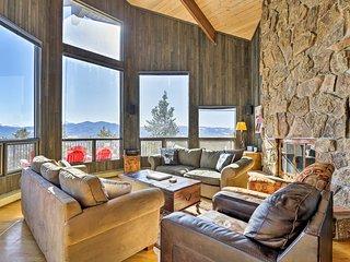 Panoramic Mountain-View Retreat w/ Hot Tub + Deck!