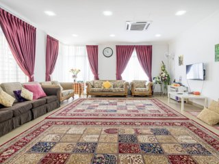 4R4B Spacious Semi D House for Family