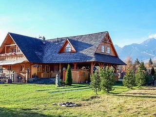 Amazing home in Tatranska Lomnica w/ WiFi and 4 Bedrooms