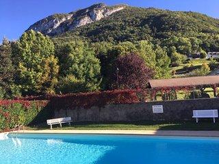 MENTHON ST BERNARD, type 3, Résidence avec piscine,6 PERS
