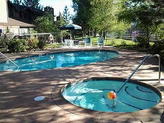 Walk to Lake - FRESH LOOK!  Tennis Courts, Hot Tub, Pool