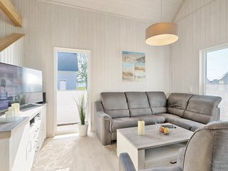Stunning home in OstseeResort Olpenitz w/ Sauna, WiFi and 3 Bedrooms