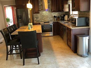New! 5 min to Kalahari and shopping close to Camelback , Casino , Outlets ,