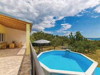 Awesome home in Kastel Stari w/ WiFi and 3 Bedrooms (CDF954)