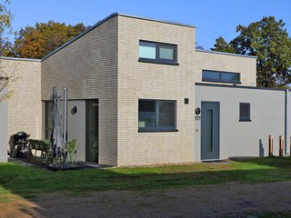 Stunning home in Lembruch/Dümmer See w/ Sauna, WiFi and 2 Bedrooms (DDS115)