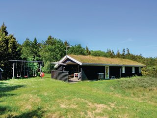 Beautiful home in Thisted w/ Sauna, WiFi and 4 Bedrooms (A6087)