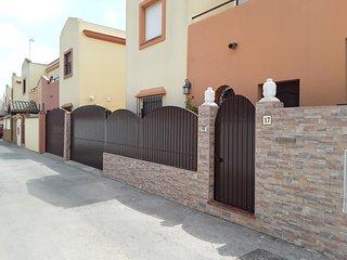 Se alquila duplex en Calle Aldebaran, Sanlucar de Barrameda (Cadiz)