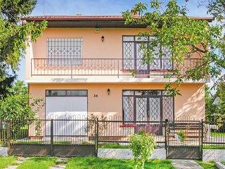 Awesome home in Gyenesdiás w/ 4 Bedrooms (UBN155)