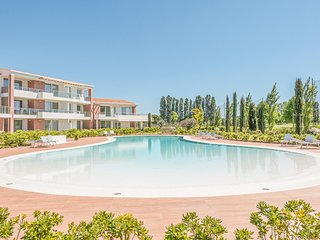 Stunning apartment in Jesolo w/ Outdoor swimming pool and 2 Bedrooms