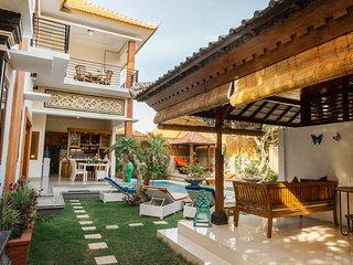 Tamarind Villa 5 bedroom 100 mtrs from beach