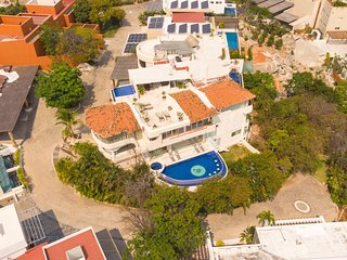 Acp001 - Luxury villa with large pool in Acapulco