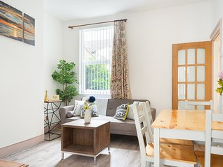 Large Home For F&F near City Centre and Stadiums