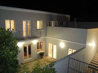 Milford House is modern double storey self catering home with beautiful finishes