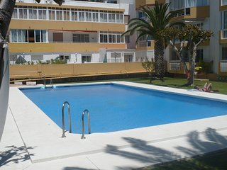 Ground floor front line apartment Torrecvilla Beach