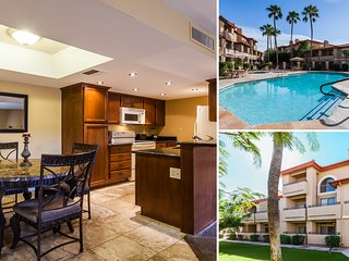 Elegant & CLEAN Pointe Condo2, Mtn Views, Lush Grounds, Pools ALWAYS Open/Heated