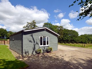 77498 Log Cabin situated in Hatherleigh (4mls W)