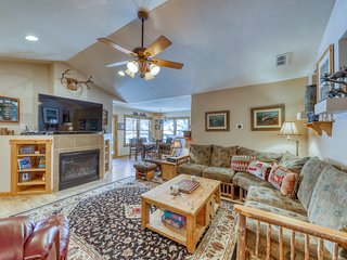 Charming home w/ private, outdoor space - close to town, lake & ski!