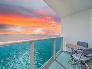 StayPlus- Waterfront Suite in Miami's North Bay Village