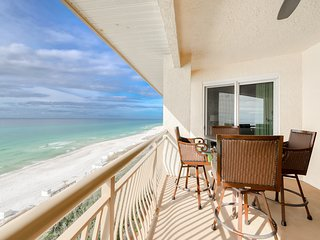 Oceanfront resort rental w/ private balcony, lagoon pool, hot tub, & Gulf views