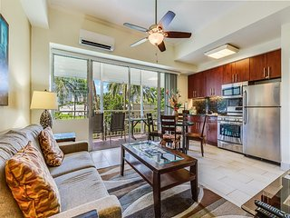 Steps from the Sand! Modern Suite w/Free WiFi, Full Kitchen–Waikiki Shore #210
