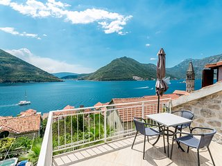 Perona Perast, Exclusive 3 bedrooms house with spectacular sea views