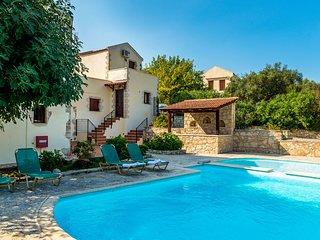 Carlas House, beautiful stone villa near Kalyves beach