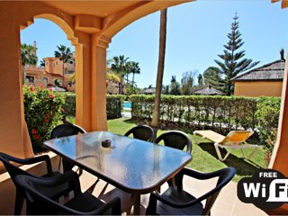 Spacious and Sunny 2 Bed Apartment With Private Garden