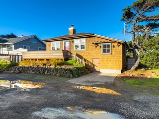 Ocean view home w/ deck, steps to the beach and golf - 2 small dogs OK!