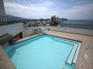 Hermoso apartamento con piscina frente al mar