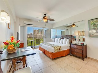 "Say ""Aloha"" to Ocean Views, Free WiFi, Modern Kitchenette–Waikiki Shore #1214"