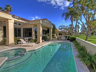 Beautiful Country Club Home in Indian Wells with Pool and Spa on a Golf Course!