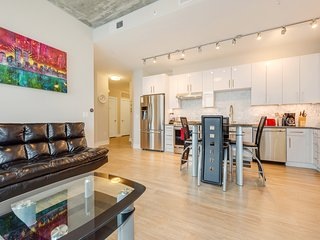 2 Bedroom Fully Furnished Apartment near Uptown