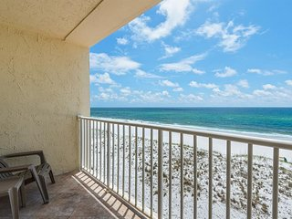 Family-friendly, beachfront condo w/shared outdoor pool, hot tub, & beach access