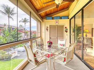 Amazing oceanfront home w/ loft, WiFi, shared pool, tennis! A/C in every room!