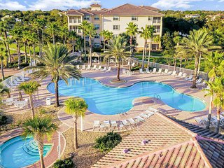 Condo near the ocean w/ private balcony, shared pool, pool spa, & fitness room