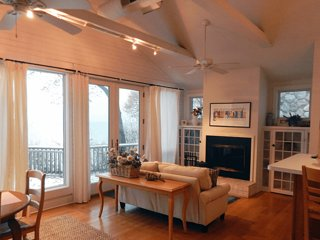 SAWYER LAKE HOUSE (Union Pier) Enjoy Lake Michigan sunsets here!