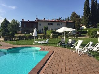 Tuscan villa with a pool on a vineyard in Tuscany