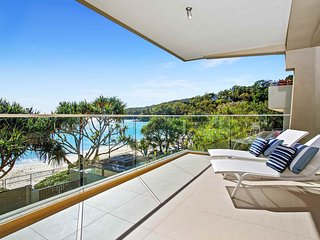 'Noosa Court' Apartment 6 / 55 Hastings Street - Noosa Beachfront