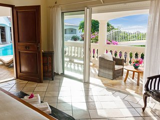 Villa Jasmin Official Site, 5 bedrooms Deluxe vacation villa rental SXM